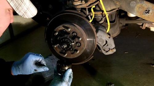 95 Izusu Rodeo Axle Replacement (10)