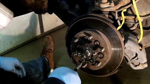95 Izusu Rodeo Axle Replacement (16)