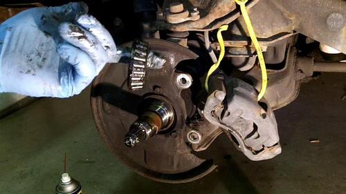 95 Izusu Rodeo Axle Replacement (22)