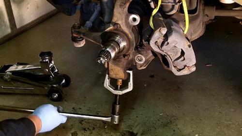 95 Izusu Rodeo Axle Replacement (28)