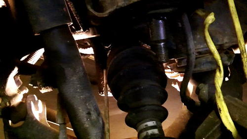 95 Izusu Rodeo Axle Replacement (32)