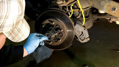 95 Izusu Rodeo Axle Replacement (9)